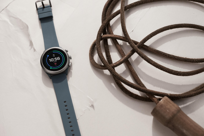 Fossil Sport smartwatch - Orologi bluetooth - Casavola Noci - still life indossato uomo